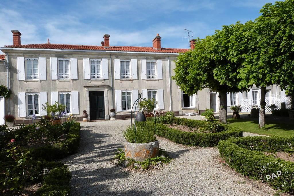 40 Km La Rochelle - dès 1.000euros par semaine - 15personnes