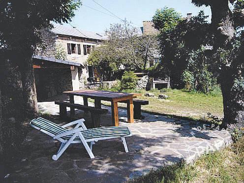 Location saint denis en margeride 48700 toutes les annonces de locations vacances saint - Mobilier jardin oriental saint denis ...