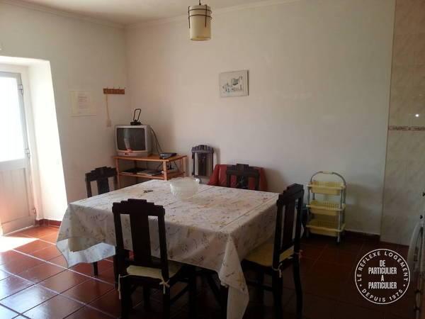 location maison 40 mn lisbonne 5 personnes d s 280 euros. Black Bedroom Furniture Sets. Home Design Ideas