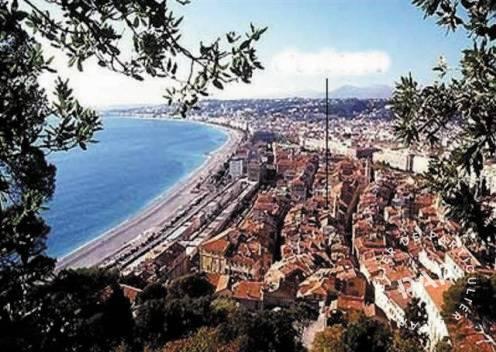 Nice - dès 600 euros par semaine - 5 personnes