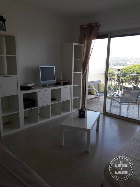 Location appartement antibes 4 personnes d s 400 euros par for Location appartement bordeaux 400 euros