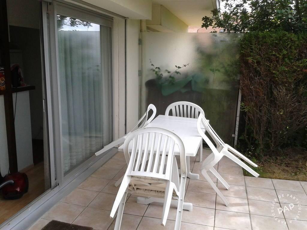 location appartement deauville 4 personnes d s 390 euros par semaine ref 205011872. Black Bedroom Furniture Sets. Home Design Ideas
