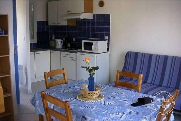 location appartement talmont saint hilaire 4 personnes d s 200 euros par semaine ref 20510464. Black Bedroom Furniture Sets. Home Design Ideas