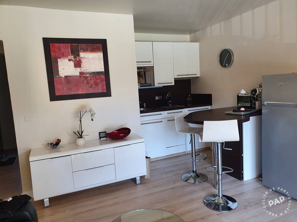 location appartement sainte maxime 4 personnes d s 330 euros par semaine ref 205209060. Black Bedroom Furniture Sets. Home Design Ideas