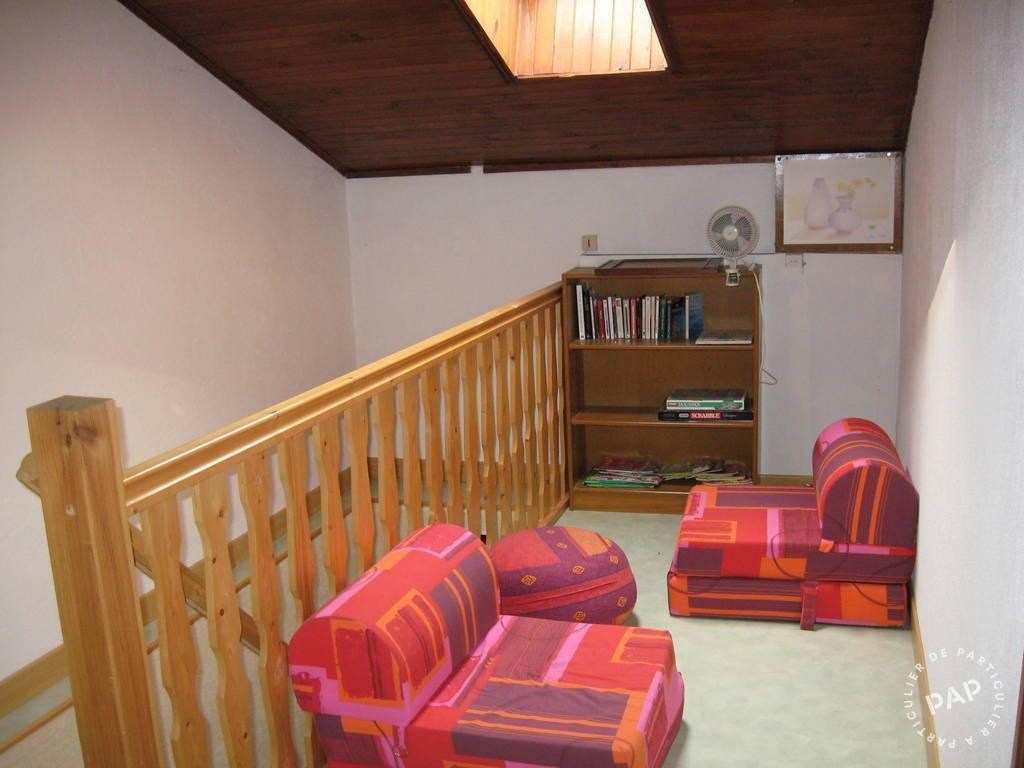 location maison saint laurent la roche 6 personnes d s 350 euros par semaine ref 2053043. Black Bedroom Furniture Sets. Home Design Ideas