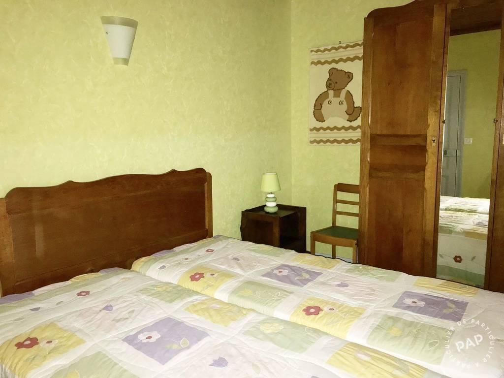 location g te beaulieu sur dordogne 6 personnes d s 400 euros par semaine ref 205810756. Black Bedroom Furniture Sets. Home Design Ideas