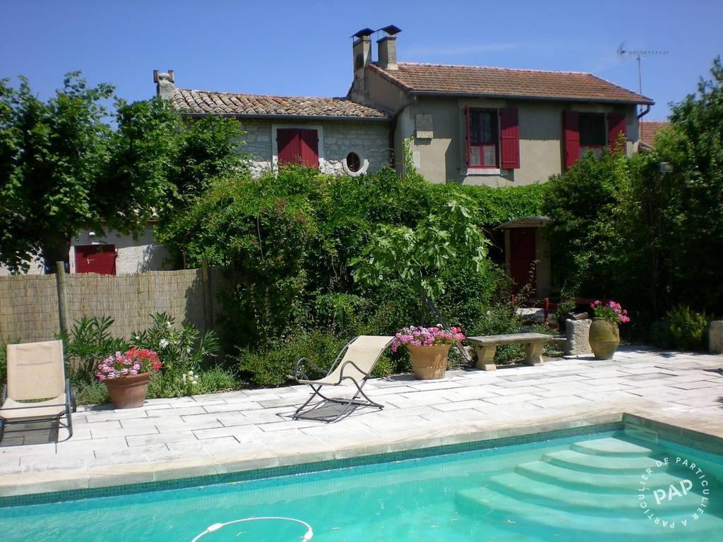 3 Km Des Baux-de-provence - dès 1.800 euros par semaine - 8 personnes