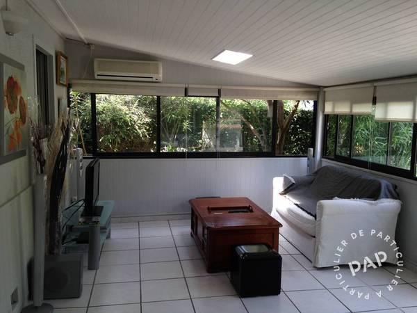 location maison le castellet 6 personnes d s 400 euros par. Black Bedroom Furniture Sets. Home Design Ideas
