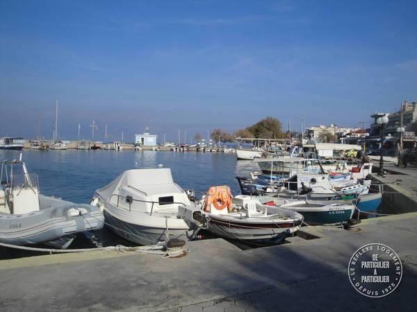 Kalamos Agios Apostolous - 8 personnes