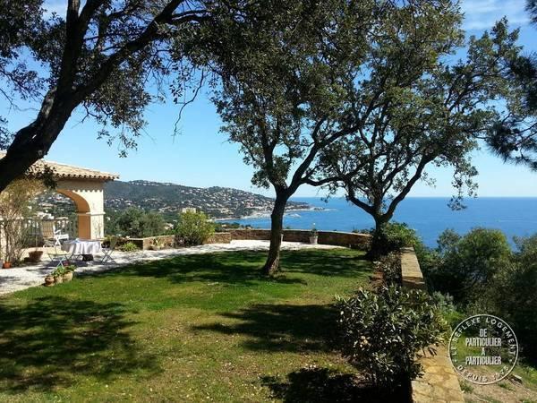Sainte Maxime - d�s 2.500 euros par semaine - 8 personnes