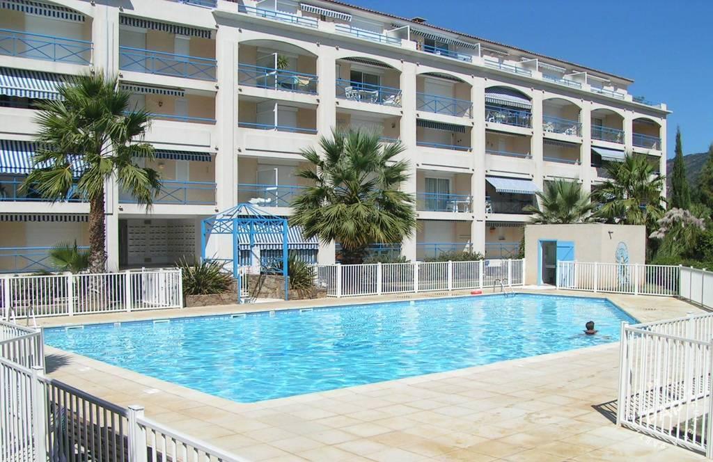 location appartement particulier le lavandou 83980 particulier pap vacances. Black Bedroom Furniture Sets. Home Design Ideas