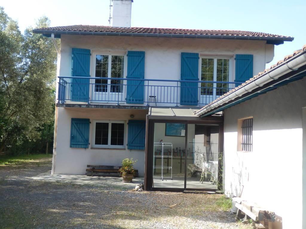 location appartement bayonne 6 personnes d s 550 euros par semaine ref 207401739. Black Bedroom Furniture Sets. Home Design Ideas