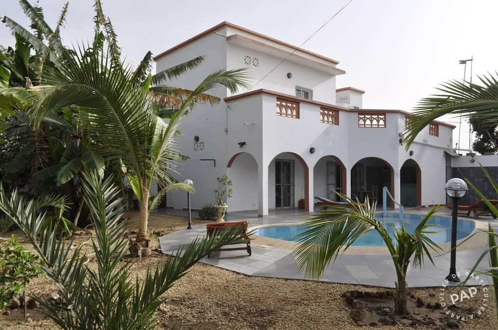 Villa Avec Piscine A Saly