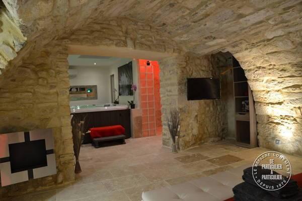 Immobilier Grande Suite Avec Jacuzzi Privé