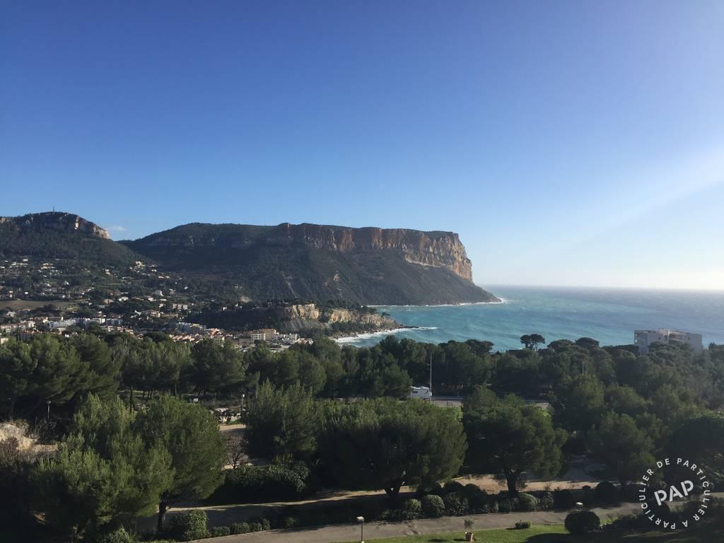 Splendide Vue Sur La Mer Et Le Cap Canaille