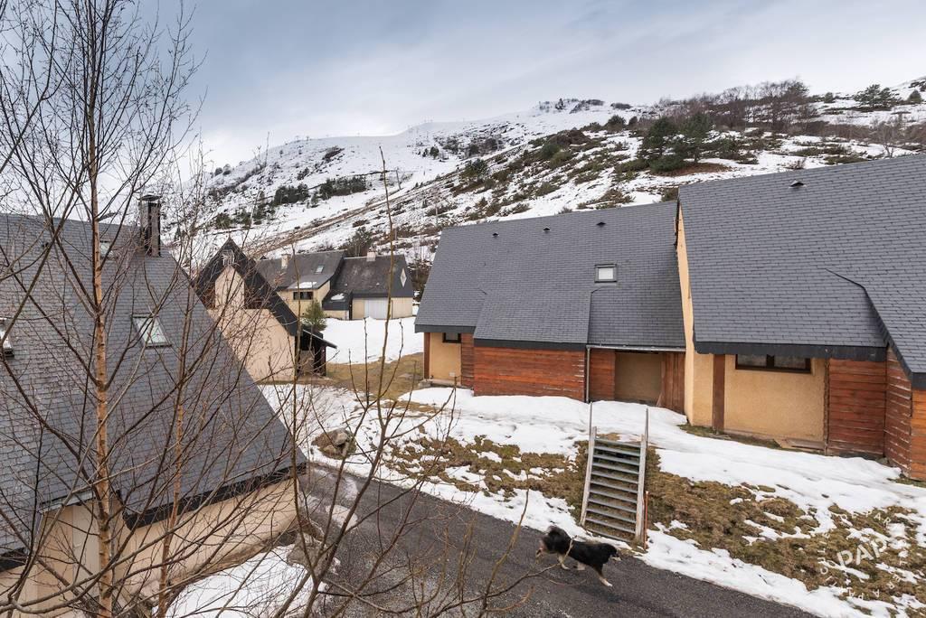 Un Confortable Appartement À La Montagne