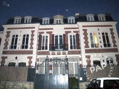 Location meubl e studio 14 m saint germain en laye 14 for Location maison saint germain en laye