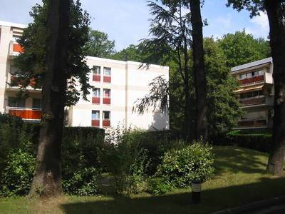 Location studio 17 m² Le Plessis-Robinson (92350) - 459 €