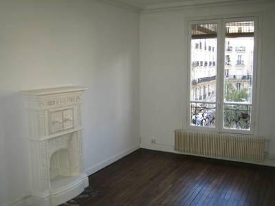 Location appartement 3pièces 49m² Paris - 1.399€