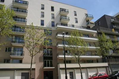 Location appartement 3pi�ces 71m� Paris 18E - 1.575€
