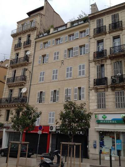 Location meublée appartement 3pièces 76m² Marseille 1Er - 860€