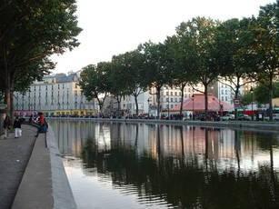 Location meublée appartement 2pièces 20m² Paris 10E - 790€
