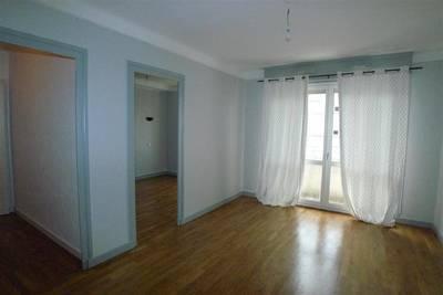 Location appartement 3pi�ces 65m� Lyon 8E - 650€