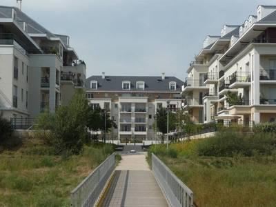Location appartement 3pièces 63m² Carrieres-Sous-Poissy (78955) - 1.040€