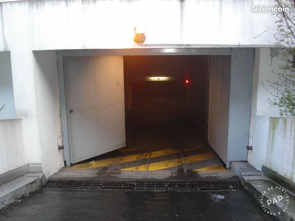 Location garage parking paris 18e 150 e de for Garage paris 18e