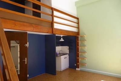 Location studio 30 m² Lyon 4E - 580 €