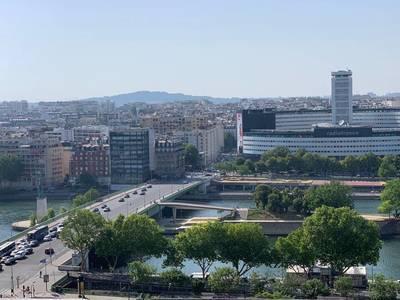 Location appartement 4pièces 96m² Paris 15E - 3.500€