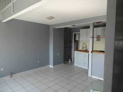 Location appartement 3pi�ces 70m� Vieux Trevoux - 630€