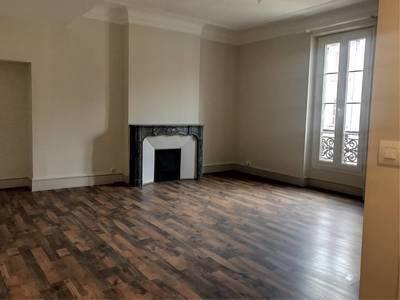 Location appartement 2pièces 51m² Marseille 6E - 655€