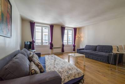 Location studio 40 m� Paris 3E - 1.700 €