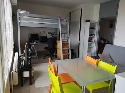 Location meublée studio 28m² Lyon 5E - 610€