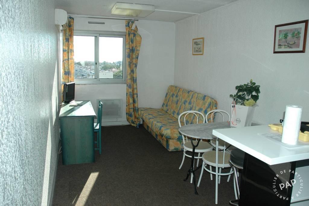 location meubl e studio 30 m marseille 30 m 650 e de particulier particulier pap. Black Bedroom Furniture Sets. Home Design Ideas