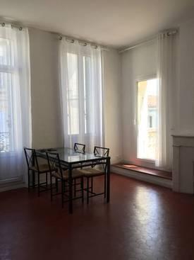 Location meublée appartement 2pièces 54m² Salon-De-Provence (13300) - 750€