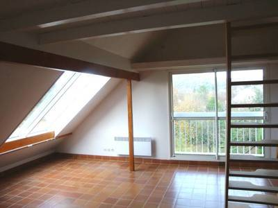 Location studio 40 m² Moisson-Lavacourt - 575 €