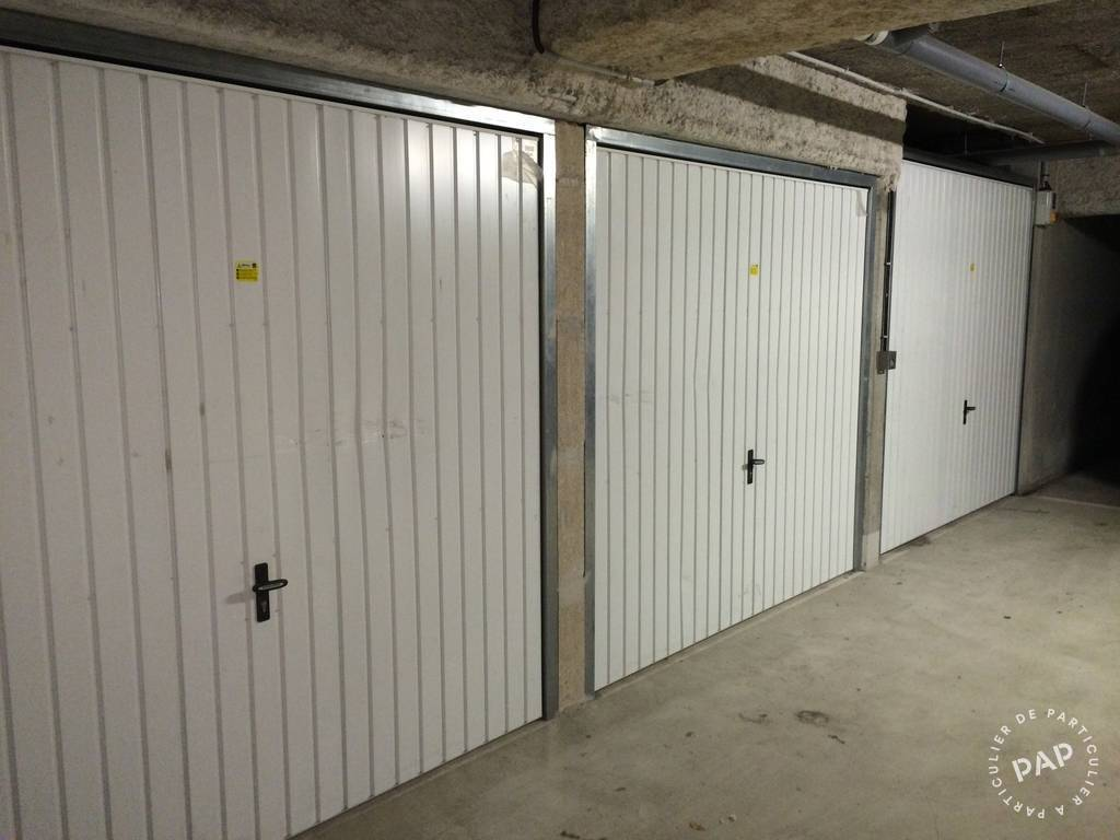 Location garage parking saint ouen 80 euros de for Location box garage particulier