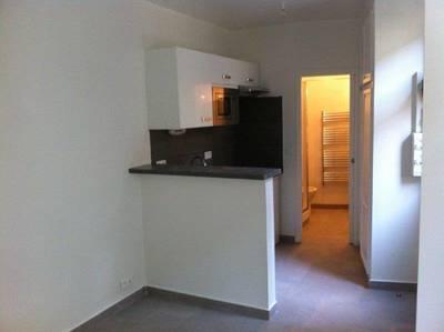 Location studio 19m² Le Perreux-Sur-Marne (94170) - 670€