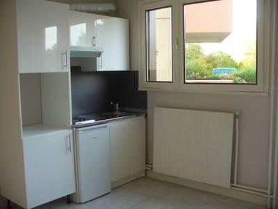 Location studio 17m² Saint-Michel-Sur-Orge (91240) - 571€