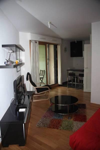 Location meublée studio 25m² Paris 15E - 1.250€