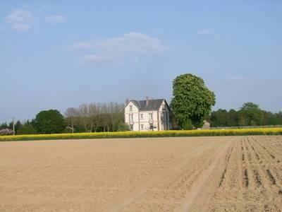 Location maison 320m² Saint-Maurice-Sur-Aveyron (45230 Quesnoy-sur-Airaines