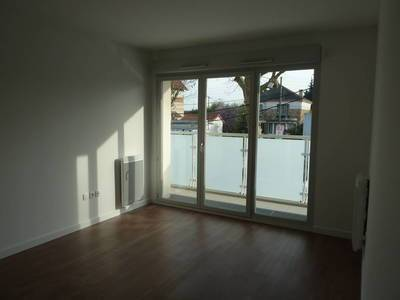Location appartement 3 pièces 55 m² Chatenay-Malabry - 1.045 €