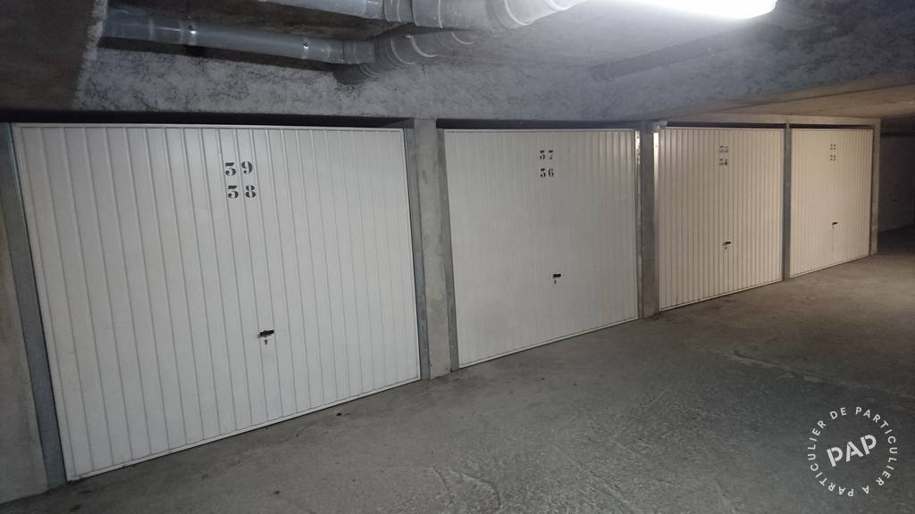 Location garage parking saint genis laval 100 de for Location box garage particulier