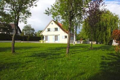 Location meubl�e maison 200m� Orgeval (78630) - 2.500€