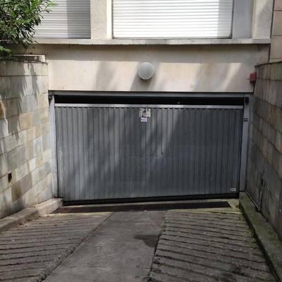 Location garage, parking 15m² Paris 20E - 75€
