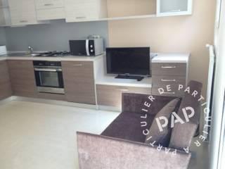 location meubl e studio 28 m cannes 06 28 m 780 de particulier particulier pap. Black Bedroom Furniture Sets. Home Design Ideas