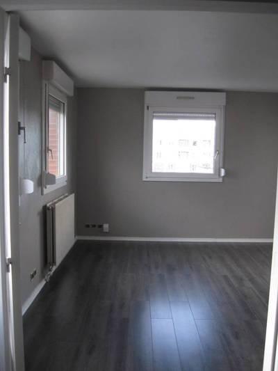 Location appartement 3pièces 67m² Montigny-Le-Bretonneux - 1.200€