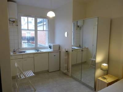 Location meublée studio 14m² Paris 16E - 580€